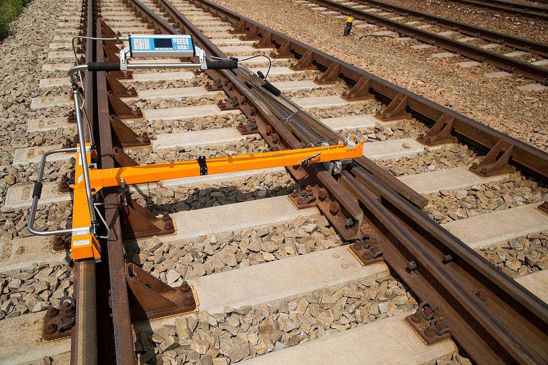 Track Measuring Device : Measurement devices goldschmidt thermit railservice